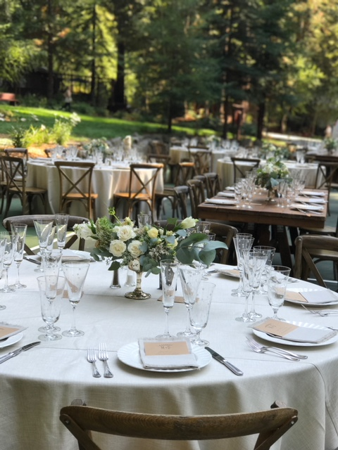 outdoor-amazing-table-setting